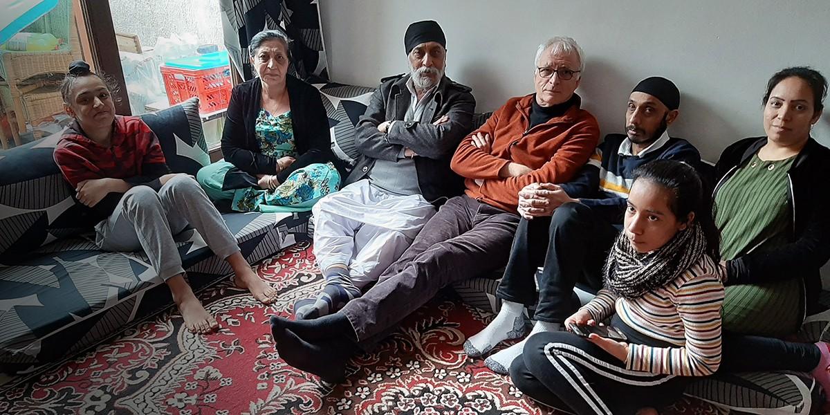 Foto van Johan en de familie Singh